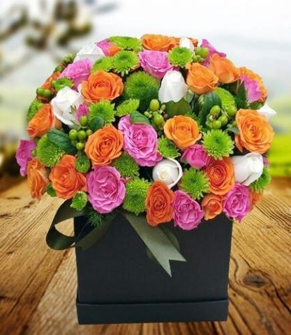 ithal çiçeklerden şık arajman